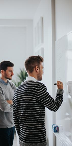 ELABORATE THE SPECIFICATIONS OF A TRAINING PROJECT